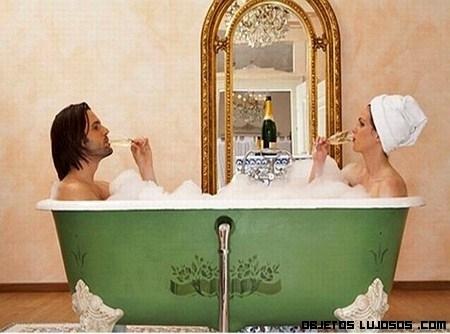Un baño de lujo con champagne