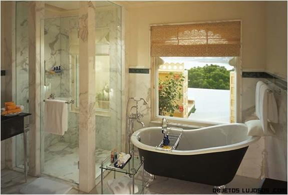 baños de mármol lujosos