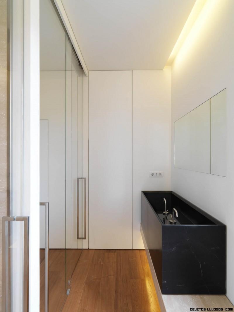 Baños Casas Minimalistas: forma cuadrada y muy simple, lo que le da la parte moderna a la casa