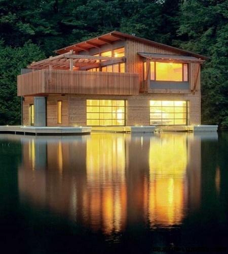 Preciosa casa flotante