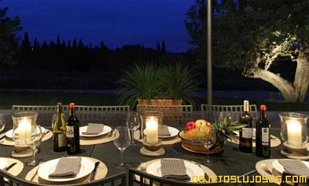 Cena-romantica-durante-vacacion-lujosa