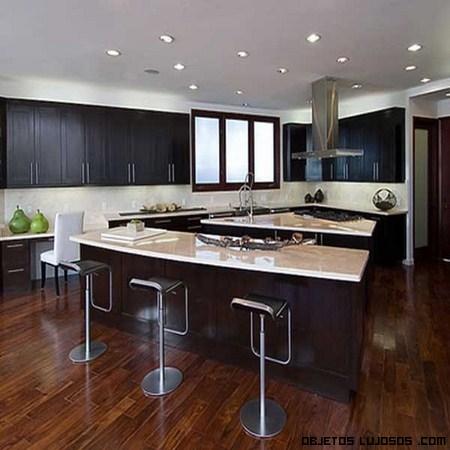 Rihanna pone su casa a la venta - Cocinas de famosos ...