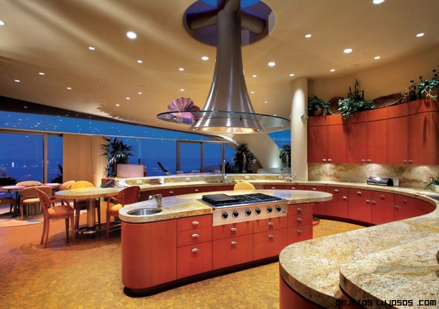 Exclusiva mansi n en california for Modelos de cocinas grandes y modernas