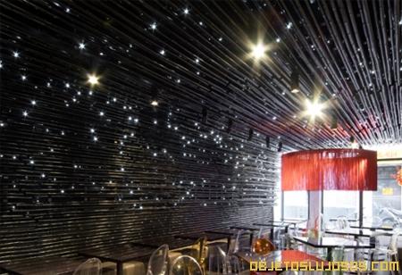 Restaurante con iluminación fabulosa