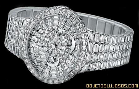 Reloj recubierto de diamantes
