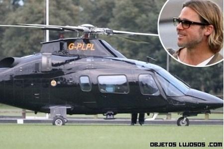 Angelina y sus regalos a Brad Pitt