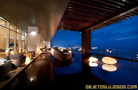 Hotel flotante más lujoso: Hilton Pattaya