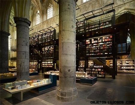 Una iglesia convertida en librería