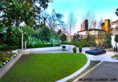 Casa de harry styles de one direction for Jardines lujosos