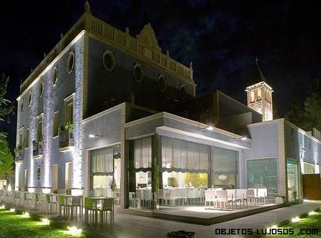 Hotel ferrero lujo y descanso for Fachadas de hoteles de lujo