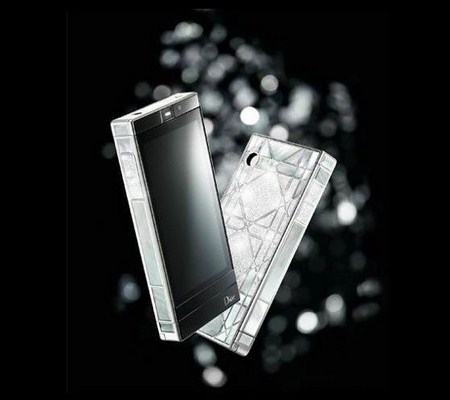 Dior Phone Revèrie con diamantes