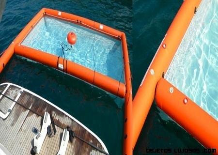 Una piscina en medio del mar