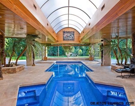 Incre bles piscinas en casas de lujo for Cuanto cuesta una casa con alberca