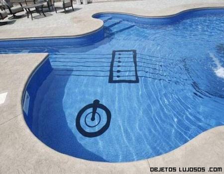 Piscinas en forma de guitarra