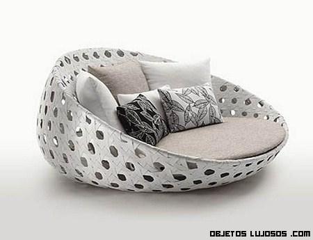 Sillones y butacas de patricia urquiola for Sofas de lujo