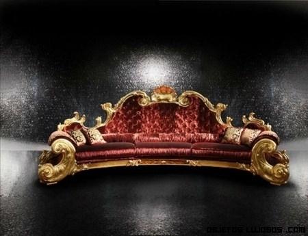 Sofá en oro de Michael Jackson
