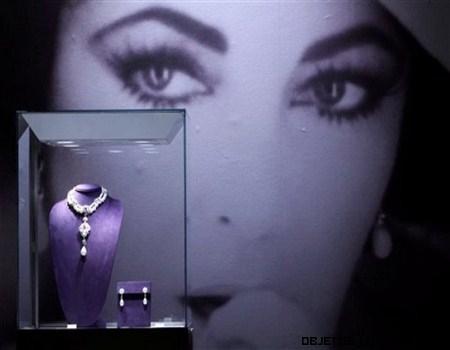 Vestidos y joyas de Elisabeth Taylor a subasta