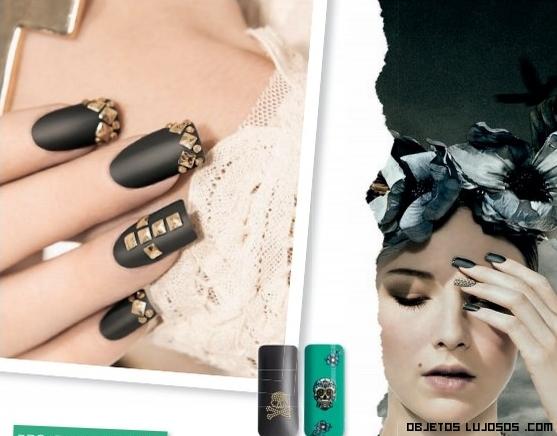 tachuelas doradas para uñas