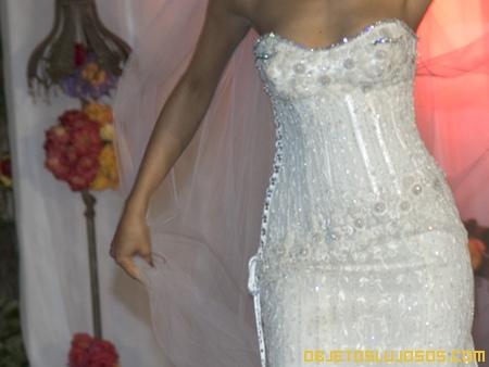 Vestido de novia con diamantes 3