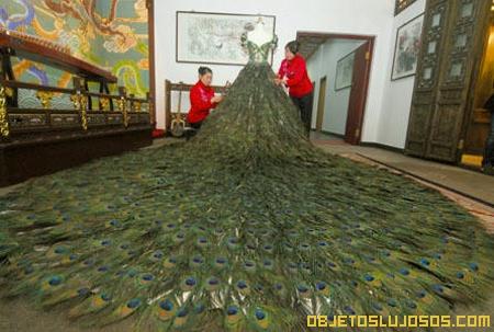 Vestido de Plumas de Pavo Real 1