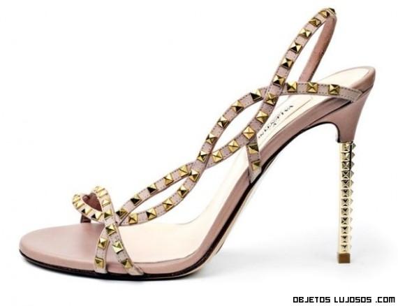 Zapatos de lujo con tachuelas