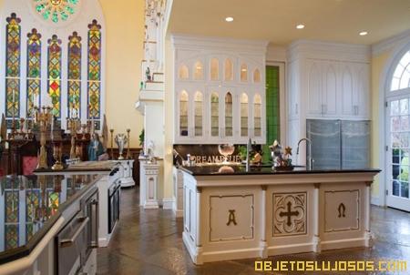 Dos casas de lujo en una for Casas decoradas x fuera