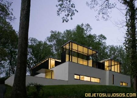 Casa de lujo de diseño vanguardista