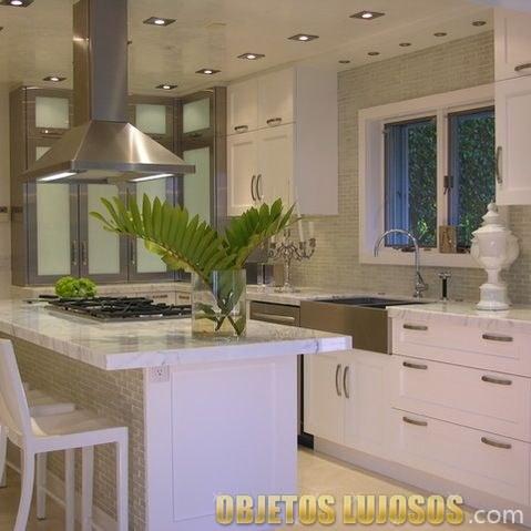 cocina en blanco de lujo