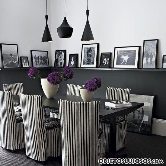 comedor de lujo con sillas estampadas