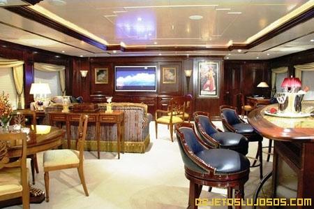 El yate m s r pido for Interior yates de lujo