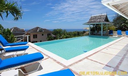 piscina-con-vista-al-oceano