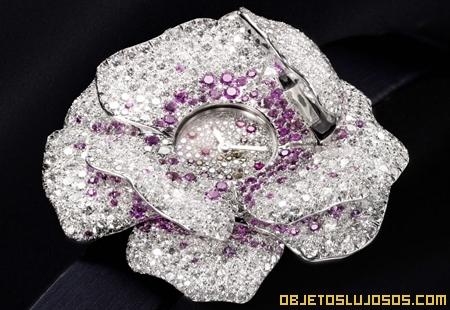 Reloj floral de diamantes