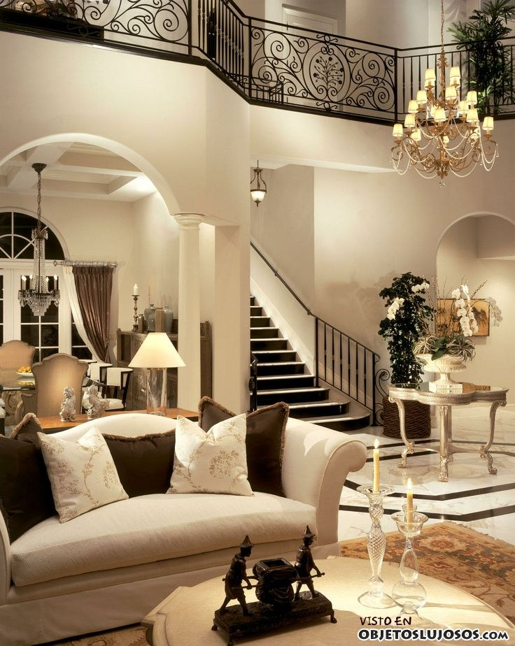 Interiores de lujo en color blanco Luxury house plans with photos of interior