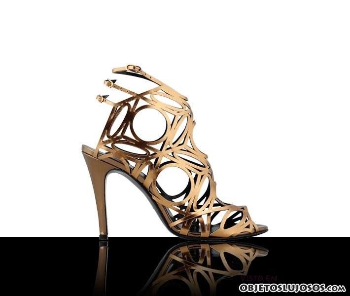 sandalias doradas pierre hardy