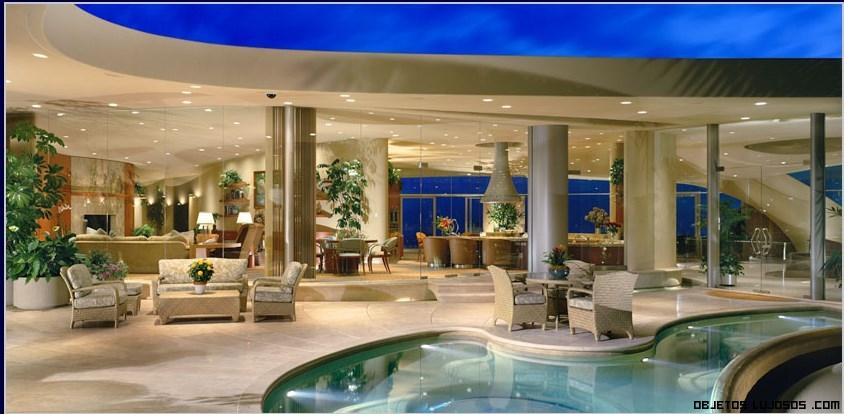 Exclusiva mansi n en california for Mansiones con piscina