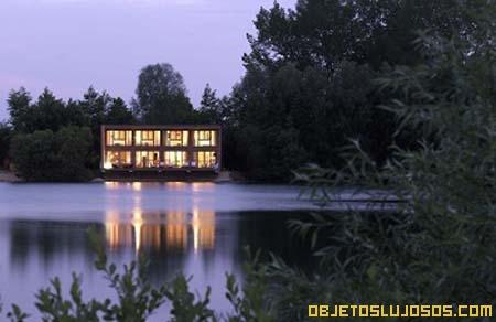 Casa de lujo en el bosque
