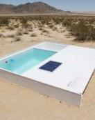 Piscina en medio del desierto