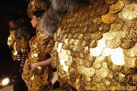 vestido-mas-caro-hecho-de-oro