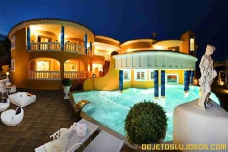 Villa hecha de oro