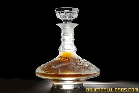 Whisky en botella lujosa