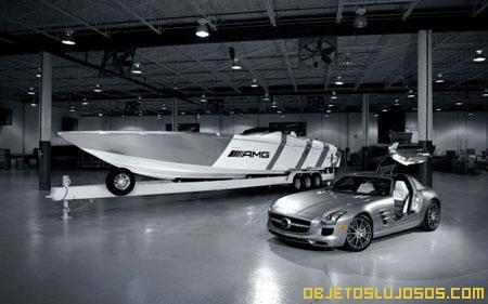 Yate inspirado en el Mercedes SLS AMG